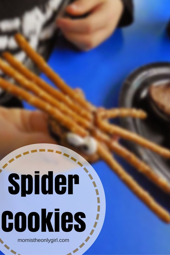 spider-shaped cookies made from Oreos and pretzels